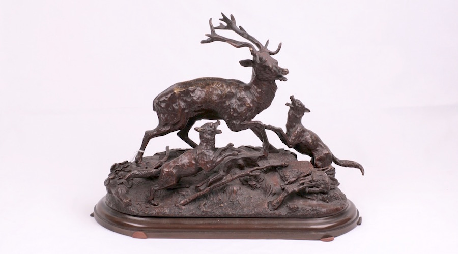 Hunting scene, bronze sculpture.