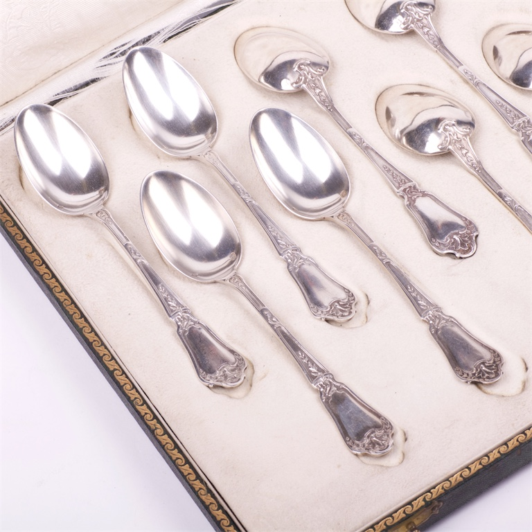 Flatware and Serving Pieces