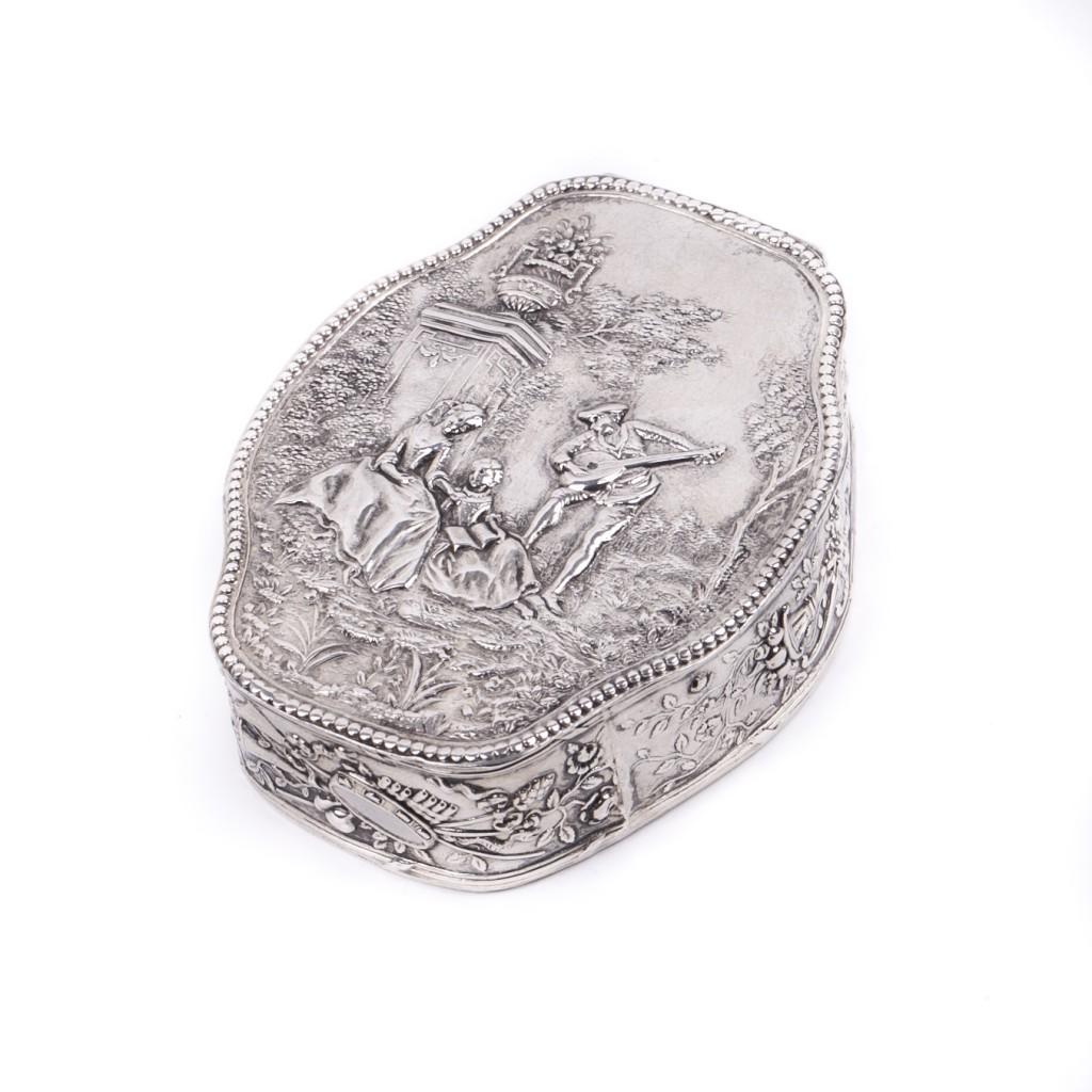 Fine Hanau Silver Snuff Box