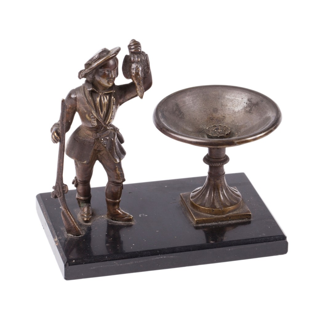 Table bronze. Hunting scene. Bronze, marble. 19 century. Height: 10 cm.