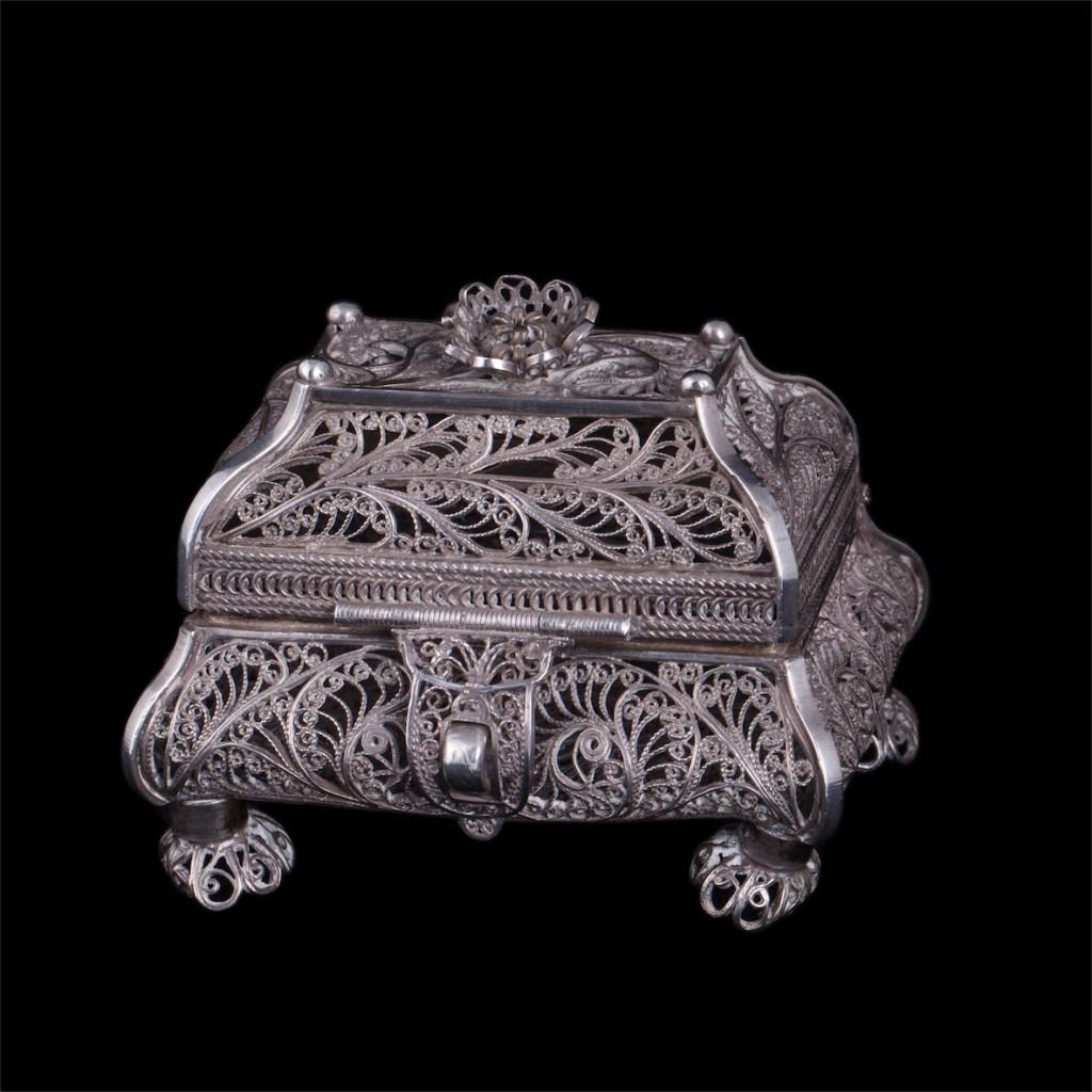 Russian silver filigree casket